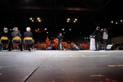meeting-austerite-martigue-10-04-2013-raphael-bianchi-14