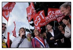 Olivier Leberquier, Jacqueline Fraysse et derrière, Hélène Le Cacheux partie de Marseille en bus avec les Fralib