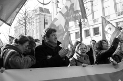 Dans la manifestation pour les droits des femmes
