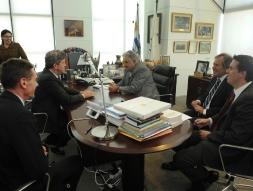 Rencontre avec  José Mujica, Président de la République;  Luis Almagro, Ministre des relations extérieures; Daniel Cánepa, Premier secrétaire de la Présidence de la République.